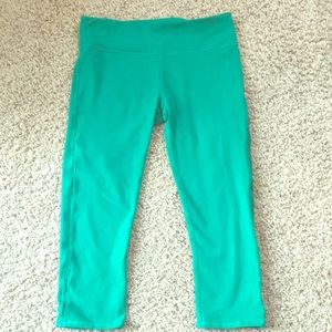 Lightly worn Fabletics Cropped Athletic Tights